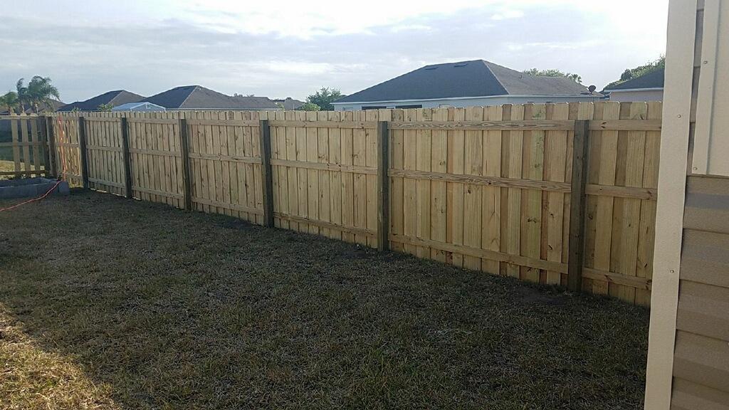 fence installation plantation