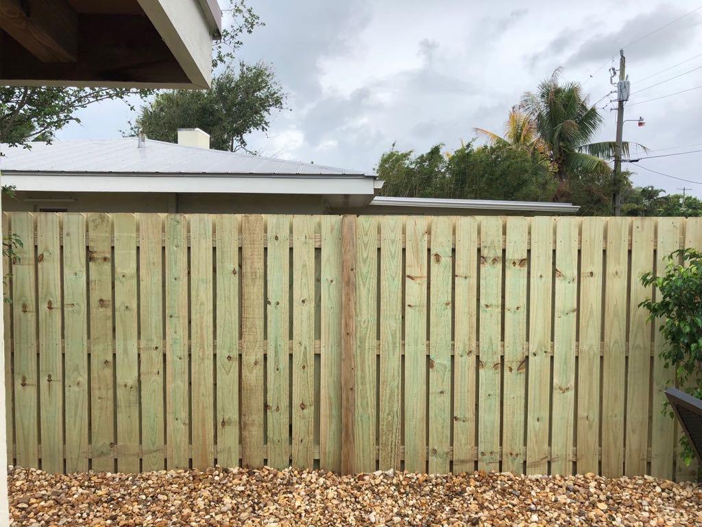 plantation fence contractor